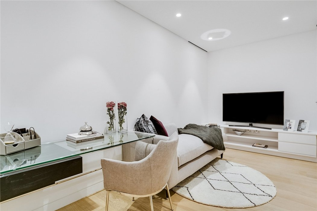 3 bedroom House to let in Mayfair,London - Image 19