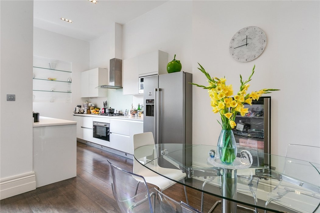 2 bedroom Flat for sale in South Kensington,London - Image 7