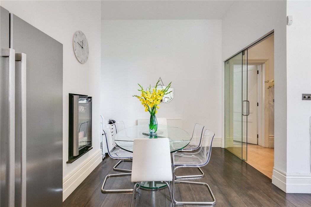 2 bedroom Flat for sale in South Kensington,London - Image 10