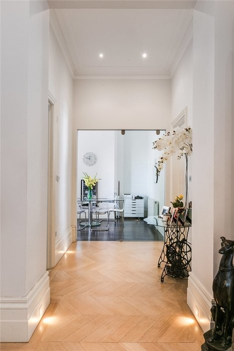 2 bedroom Flat for sale in South Kensington,London - Image 17