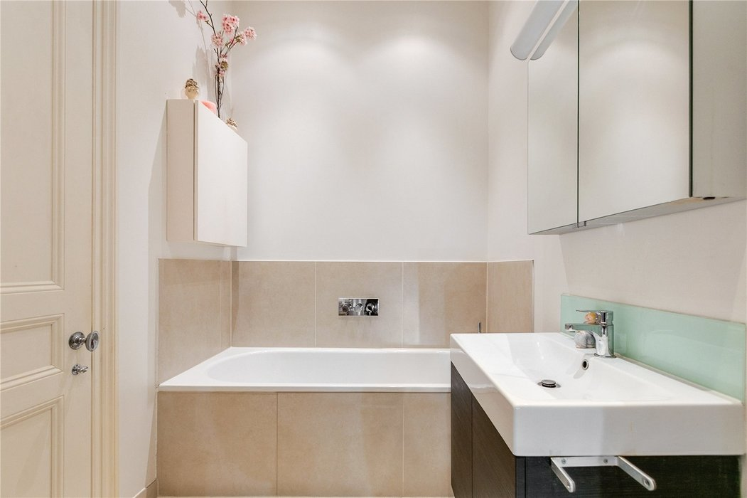 2 bedroom Flat for sale in South Kensington,London - Image 15