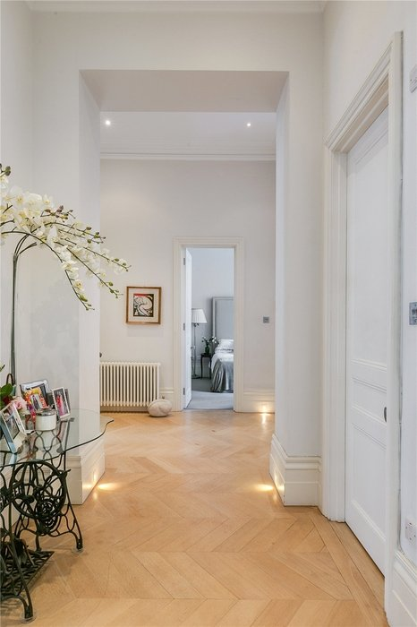 2 bedroom Flat for sale in South Kensington,London - Image 16
