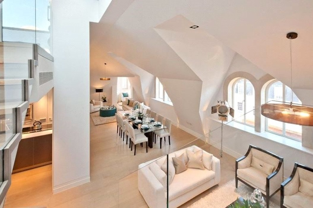 3 bedroom Flat to let in Mayfair,London - Image 2