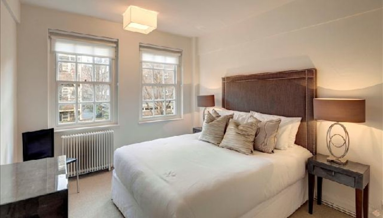 2 bedroom Flat to let in Chelsea,London - Image 4
