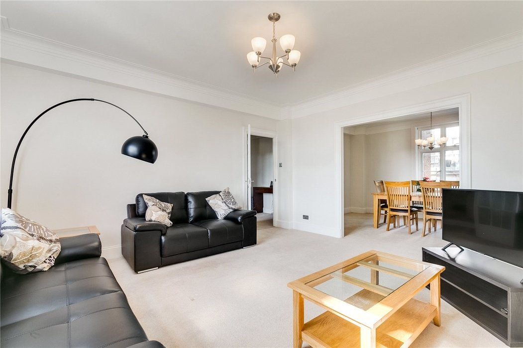 2 bedroom Flat to let in Mayfair,London - Image 2