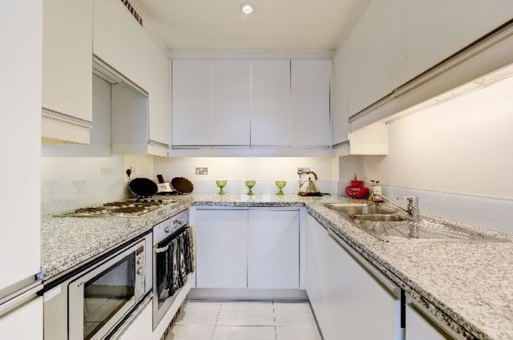 2 bedroom Flat to let in Marylebone,London - Image 3