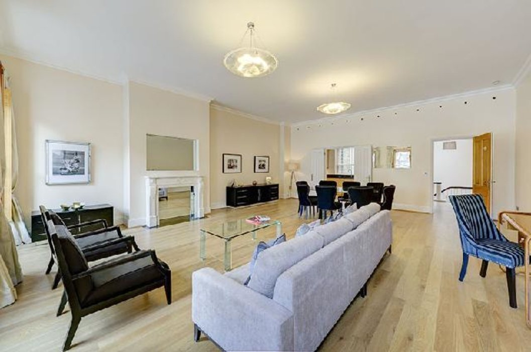 2 bedroom Flat under offer in Bayswater,London - Image 1