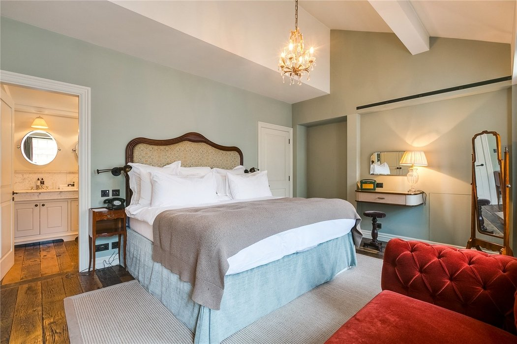 2 bedroom Flat to let in Mayfair,London - Image 8