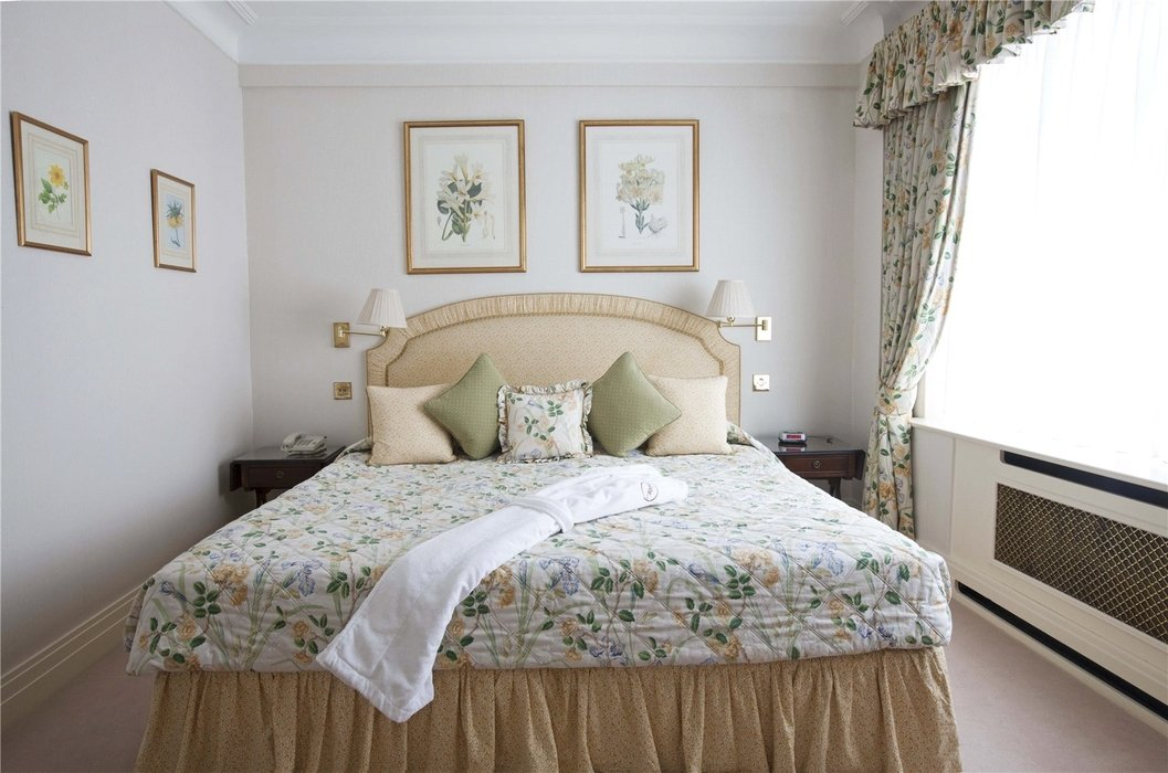 2 bedroom Flat to let in Mayfair,London - Image 6