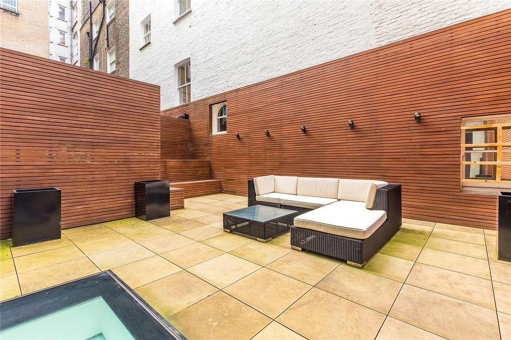 3 bedroom Flat new instruction in London - Image 14
