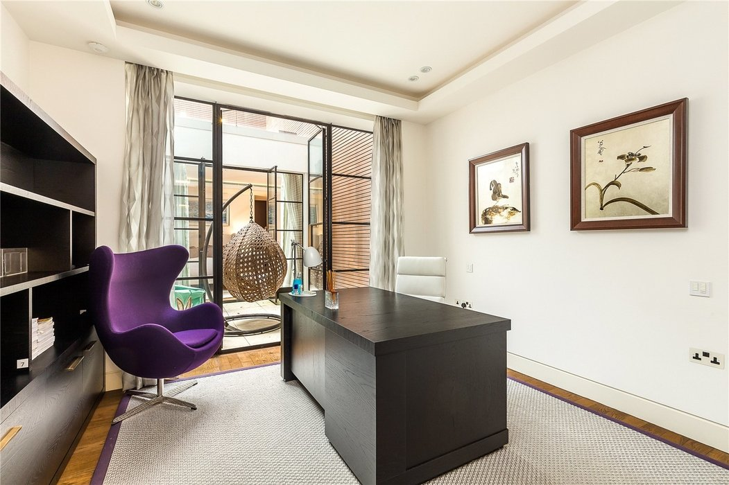 3 bedroom Flat new instruction in London - Image 7